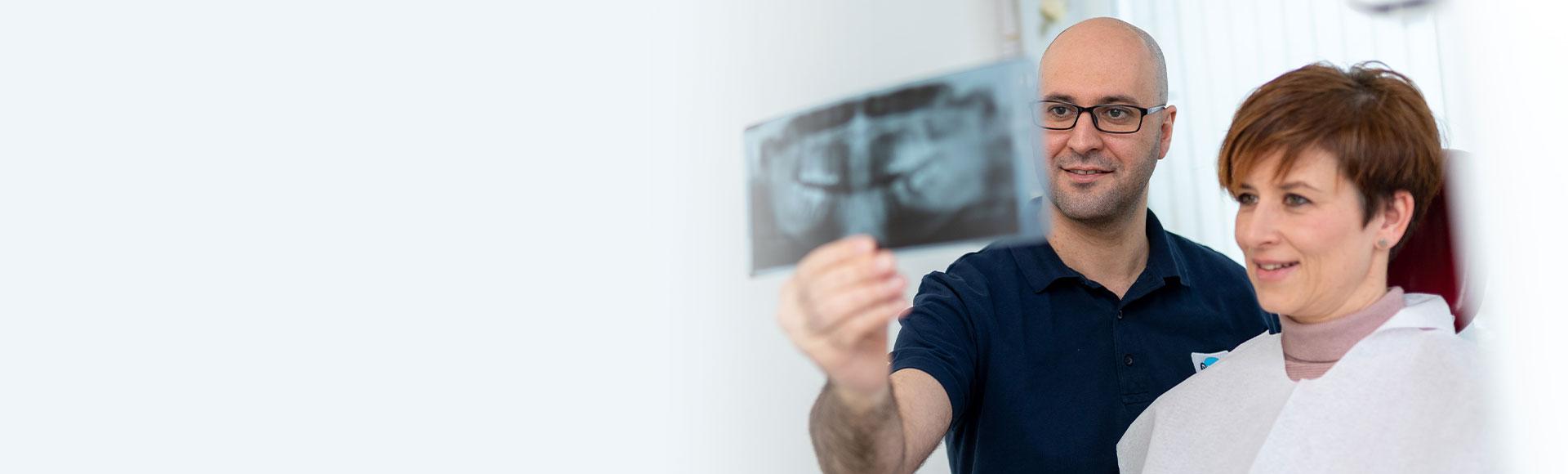 regelmäßige Kontroll Untersuchung für gesunde Zähne